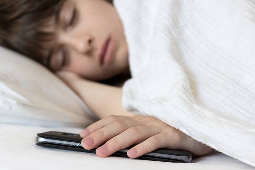 Sleeping with smartphone